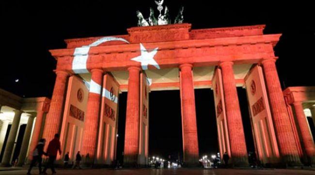 Almanlar Türkiye'ye yardım için düğmeye basacak