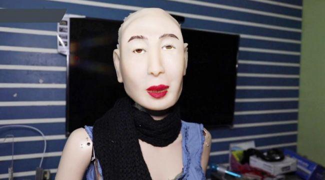 Dünyanın ilk Hindu insansı robotu: Raşmi