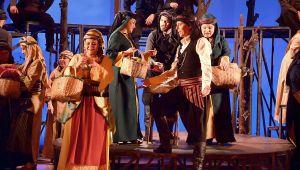 İzmir Devlet Opera ve Balesi 2018-2019 sezonunu 1 Ekim'de Carmina Burana balesi ile açıyor.