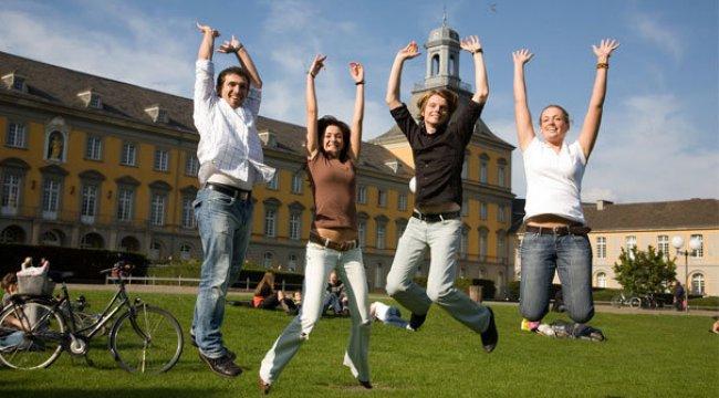 Öğrenciler rotasını Polonya'ya çevirdi