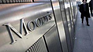 Moody's İtalya'nın Kredi Notunu Düşürdü
