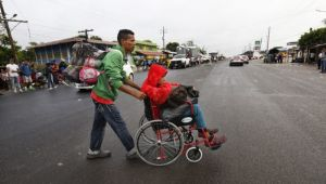 Amerika Yolundakilere Meksika Polisinden Destek
