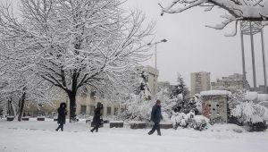 Bosna Hersek'te kar hayatı olumsuz etkiledi