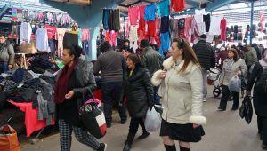 Bulgar ve Yunan turistler kışlıklarını Edirne'den alıyor