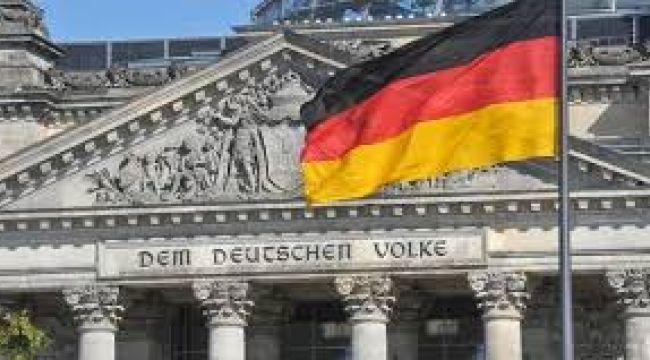Almanya'da yatırımcı güveni Ocak'ta beklenenden iyi geldi