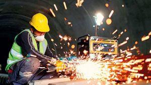 Sanayi üretimi 'serbest düşüşe' devam ediyor
