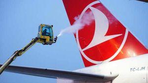 THY uçakları buzlanmaya karşı özel sıvı ile yıkanıyor