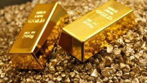 """Altın """"ticaret belirsizliği"""" ile 3 haftanın ilk haftalık kaybına yöneldi"""