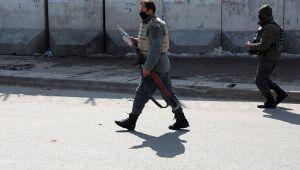 Afganistan'da Taliban polisleri katletti