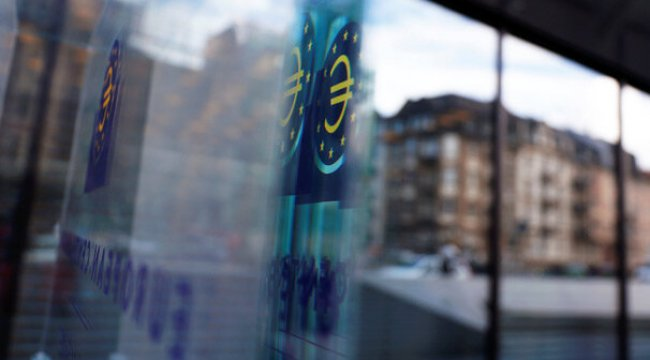 """ECB, ABD'nin ticaret savaşlarının Avrupa'ya etkisini """"sınırlı"""" görüyor"""