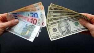 """Euro """"Draghi"""" sonrasında dolar karşısında geriledi"""