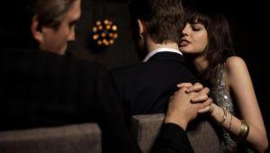 Kadınlar duygusal, erkekler cinsel açıdan aldatıyor