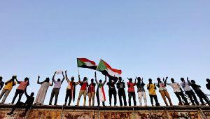Sudan'da ordu ve muhalefet üç yıllık geçiş sürecinde anlaştı