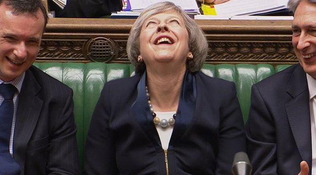 Theresa May'in istifası sert Brexit riskini artırı mı?