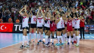 A Milli Kadın Voleybol Takımı 16 yıl sonra final peşinde