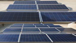 Elektrik Mmühendisleri Odası Mersin Şubesi' nin çatısına kurulan güneş enerjisi santrali, 21 Aralık 2019' da törenle açıldı.