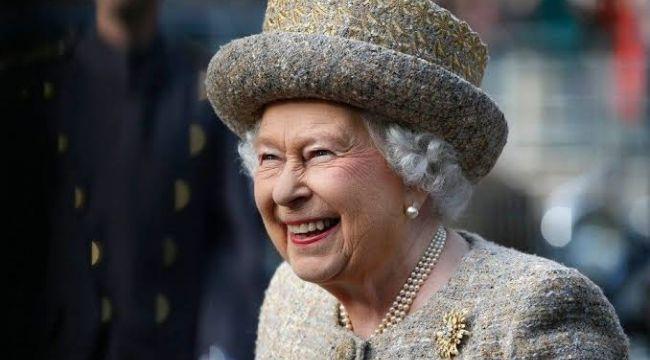 İngiltere Kraliçesi II. Elizabeth sosyal medya uzmanı arıyor