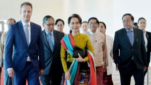 Nobel Barış Ödüllü Suu Kyi Soykırım İddiasıyla Adalet Divanı Karşısında