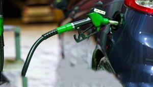 Petrol fiyatlarında düşüş yüzde %40'ı buldu