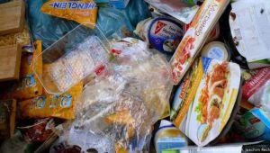 Almanya Anayasa Mahkemesi: Market çöpünden gıda toplanamaz