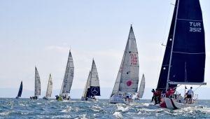 5. Deniz Kızı Kadın Yelken Kupası 5 Eylül'de Caddebostan-Adalar parkurunda gerçekleşecek.
