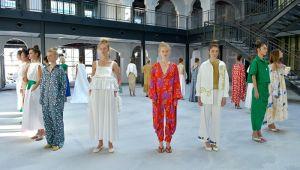 Mehtap Elaidi, Mercedes-Benz Fashion Week Istanbul kapsamında 14 Ekim Çarşamba günü İlkbahar/Yaz 2021 koleksiyonu defilesini geçekleştirdi.