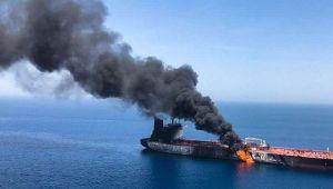 Cidde limanında petrol tankerinde patlama!