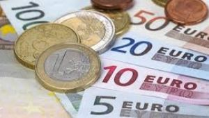 Euro, 9 liranın altını test etti