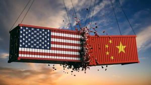 Trump Çinli firmaları Amerikan borsalarından çıkarabilecek yasayı onayladı