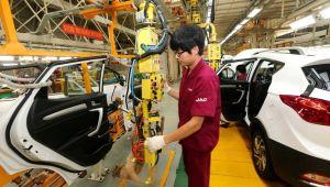 Çin, elektrikli otomobillere verdiği desteği yüzde 20 oranında azaltacak