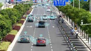 Çin, insansız otomobillerle 'konuşan' akıllı karayolu denemeleri yapıyor