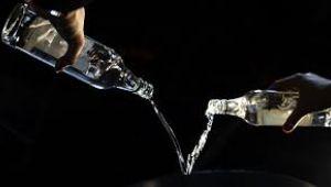 'Viski ithalatı 10 milyon litreye çıktı, rakı ihracatı 3.5 milyon litrede kaldı'
