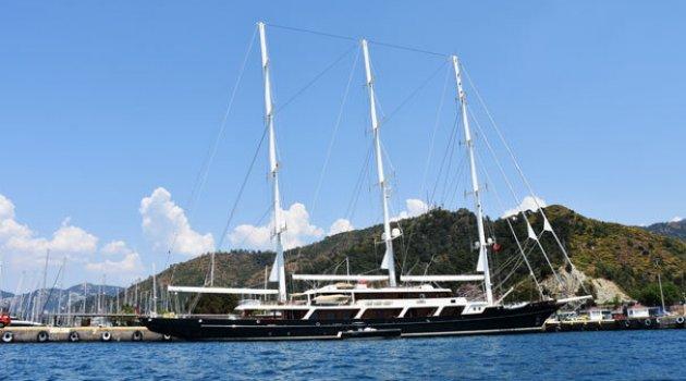 Dünyanın en büyük yelkenlilerinden 'EOS' Marmaris'te