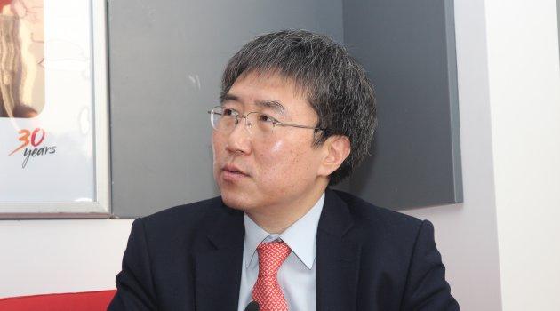 Kalkınma uzmanı Prof. Dr. Chang'ten gelişmiş
