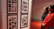"""Hanri Benazus """"Atatürk ve Kadın"""" konulu fotoğraflarıyla TED Rönesans Koleji'ndeydi"""