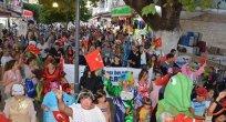 """KUŞADASI 1. TİYATRO FESTİVALİ """"BARIŞ ve DOSTLUK"""" TEMASIYLA GERÇEKLEŞTİRİLDİ"""